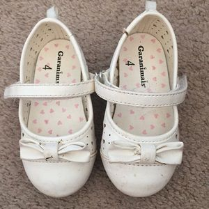 Garanimals white baby shoes